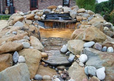 Wasserfall aus Natursteinen