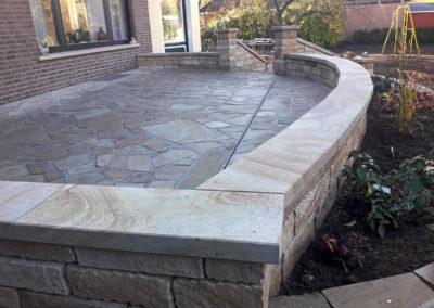 Schlitzrinne aus Kunststoff zur Entwässerung der Terrassenfläche